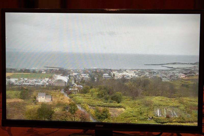 北海道松前町の沿岸の様子。高さ40mという基地局の鉄塔に設置されたカメラの映像