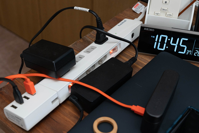 電源タップと一体化して利用できるため見た目がとてもスマート