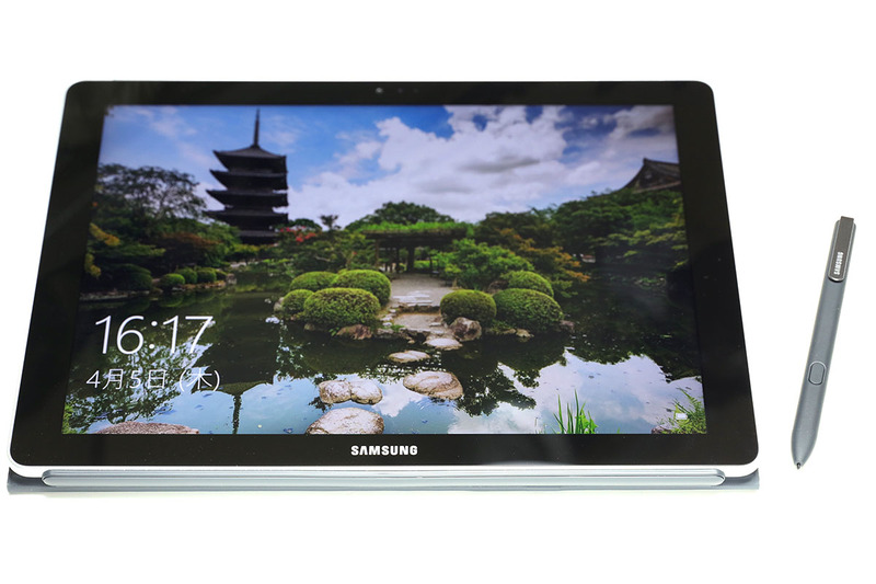 1月に買ったコンバーチブル型タブレットPCの小型版的存在である Galaxy Book 10.6。小さいから携帯に便利かも! 大きめ画面でモバイルお絵描きしてみた~い! 的に衝動買いした感じです。