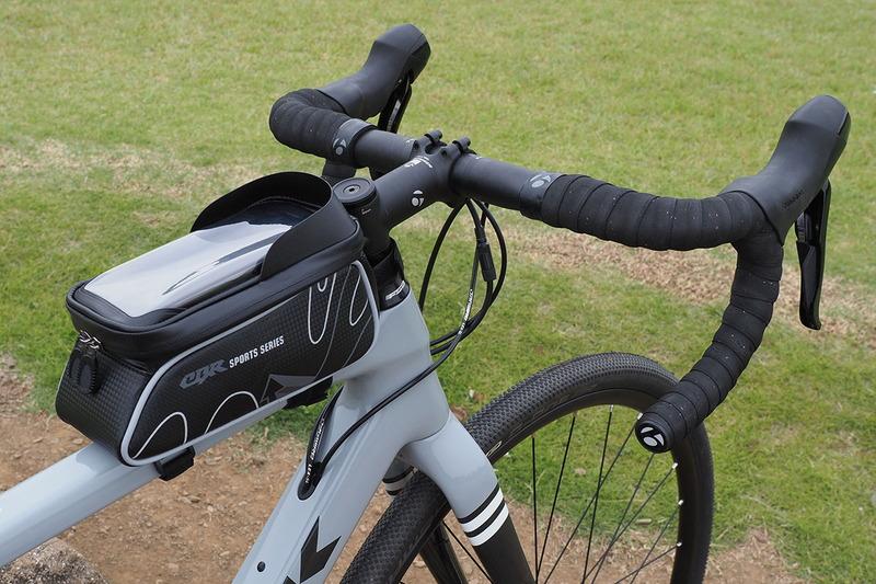 自転車にスマートフォンを装着するためのホルダー各種をレビューしました。