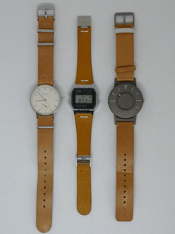 経年変化の楽しいヌメ革とアナログ腕時計との組み合わせは昨今のなんちゃってミニマル腕時計でも流行だが、デジタル腕時計との組み合わせも新鮮だ