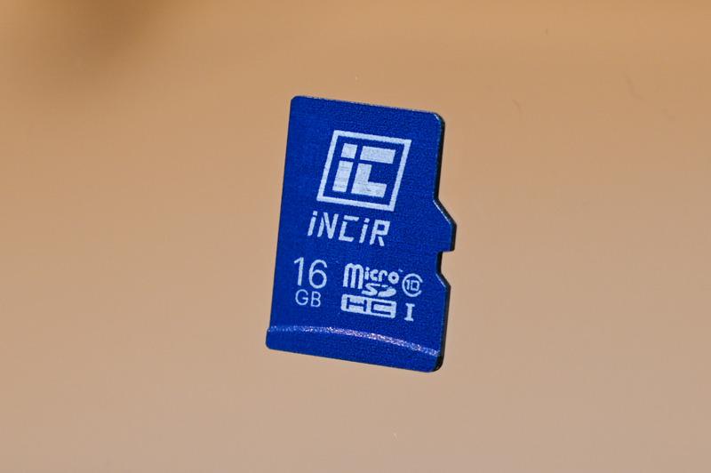 NFC(TypeA/B)のチップやアンテナ、決済機能に必要なセキュアエレメントを搭載したmicroSDカード「INCIR SD CARD」