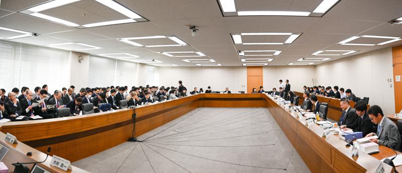 「モバイル市場の競争環境に関する研究会」第9回
