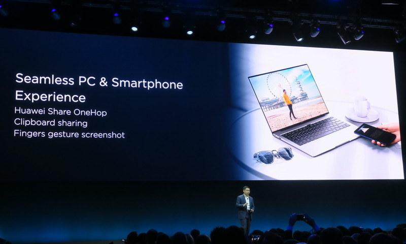 スマートフォンとの連携を可能にする「HiShare」を搭載