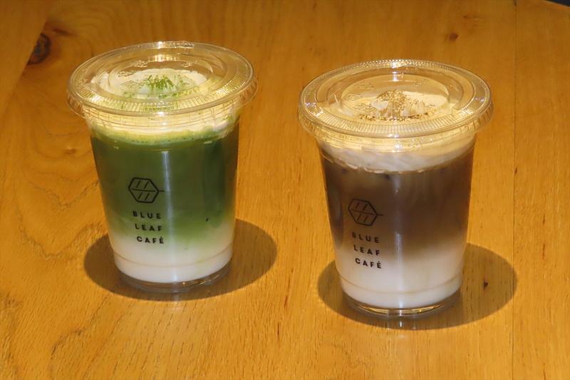 京都限定の抹茶ラテとほうじ茶ラテ(各400円)