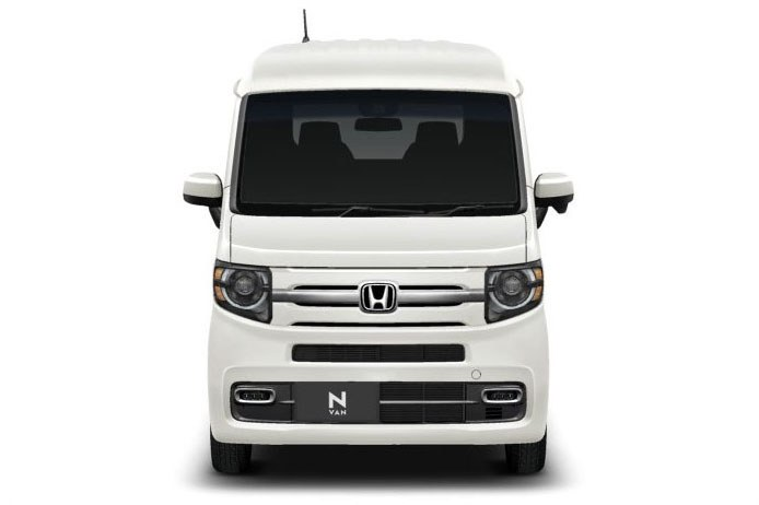 こんなクルマ。4ナンバー(小型貨物車)の軽自動車で、どちらかと言えばモノの輸送向け。いくつかグレードがありますが「+STYLE FUN・ターボ Honda SENSING」を選びました。N-VANについての詳細は公式ページをご覧ください。