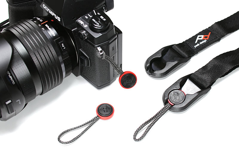 筆者が使っているPeak Design製品。これはストラップ類ですが、カメラのストラップホールに装着するパーツ(アンカー)とストラップ側の金具(リンク)を接続する独自のしくみが便利です。1本のストラップを複数のカメラで共有したりできますし、必要に応じて手早く別タイプのストラップへと交換することもできます。