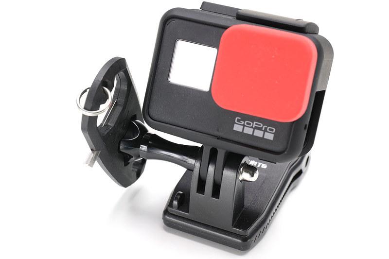4mmのヘックスレンチを使ってPeak Designのクイックリリースプレートのネジを回すことができます。自転車のシートポストやステムのネジも回せたりしますネ。また、アクションカメラGoPro用マウントのネジ回しにも使えて、GoProをガッチリ固定できます。