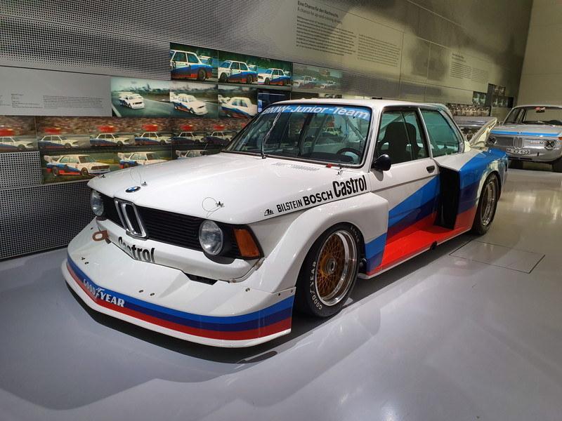 BMW博物館の中で撮影。色のバランスも良好で、照明もうまく活かされている