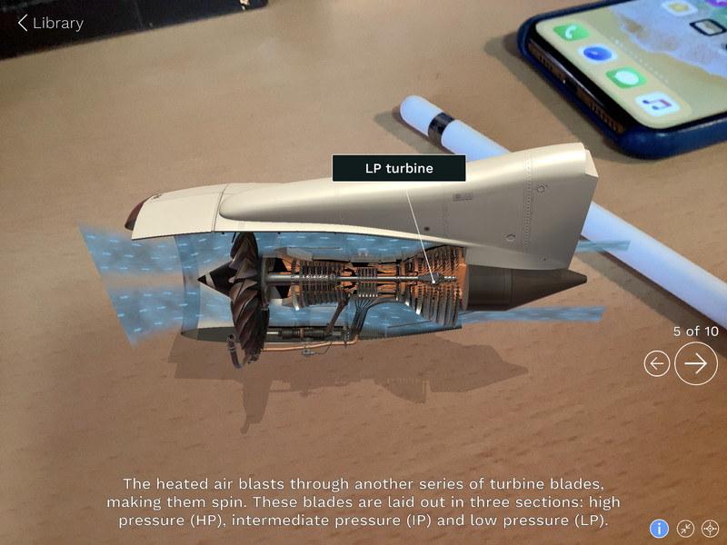 AR対応アプリ「jig space」でジェットエンジンの構造を学ぶ。A12 Bionicチップのパフォーマンスのおかげで、こうしたアプリが利用できる