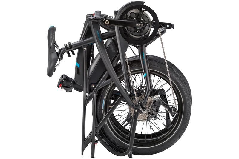 Vektronはフォールディングe-bike。折り畳んでコンパクトにして置いておけます。リアキャリアを装着すればさらに省スペース保管が可能。