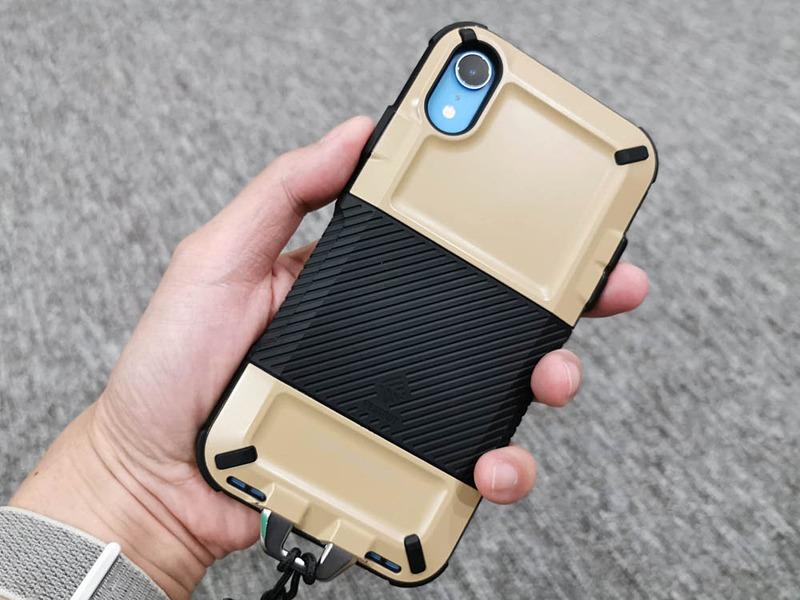 NESTOUTのiPhone XR用ジャケットケース