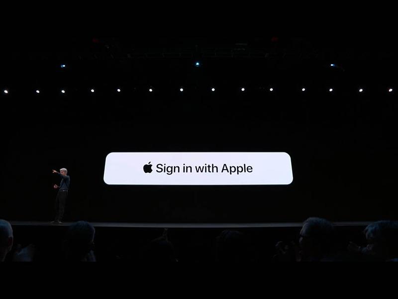 「Sign in with Apple」ボタンのイメージ。実際に使えるかどうかは、各オンラインサービス提供者次第となる