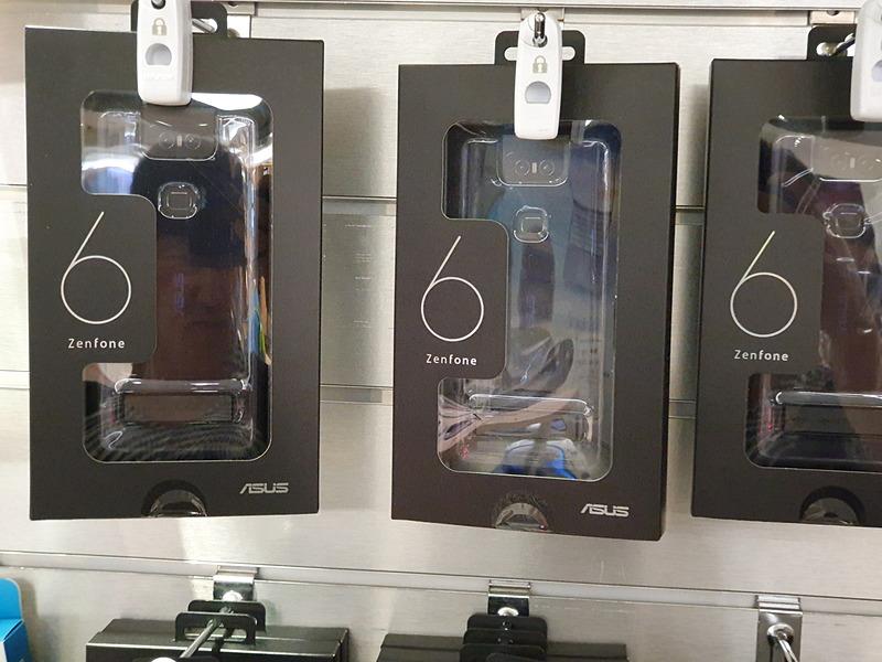 ZenFone 6の純正ケース。在庫は豊富