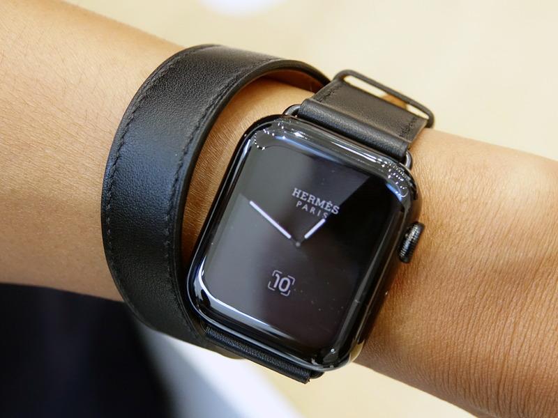 常時表示が可能になったApple Watch Series 5。写真はエルメス版
