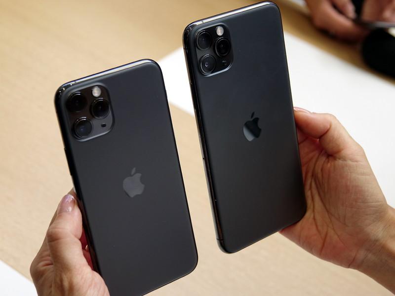 iPhone 11 Pro(左)とiPhone 11 Pro Max(右)