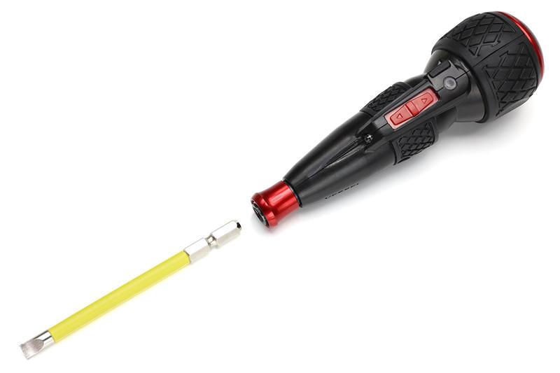 ベッセルの「電ドラボール」。形状的にはボールグリップドライバーで、先端は標準的なビット(対辺6.35mm/片頭・両頭ビット)と交換して使えます。赤いスライドスイッチにより、ビットが自動回転(正転/逆転)し、自動回転しない状態では普通のドライバーと同様に力を込めての手動ネジ回しを行えます。