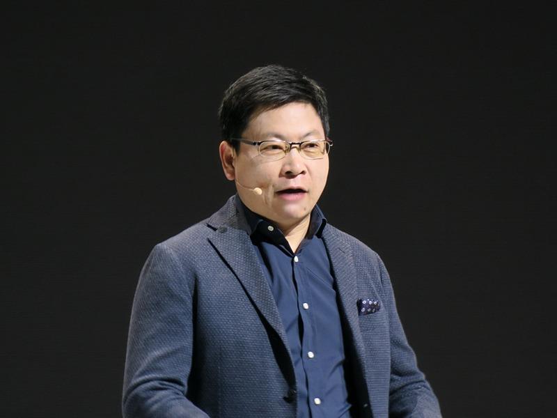 発表イベントでプレゼンテーションを行なったファーウェイのビジネスコンシューマーグループCEOのRichard Yu(リチャード・ユー)氏
