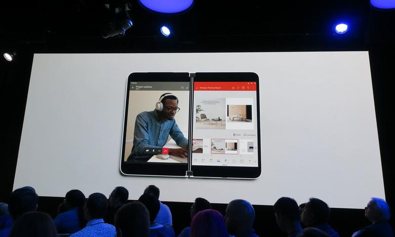 ビデオコール中に、もう片方の画面でブラウザなどのアプリを起動して、操作することができる