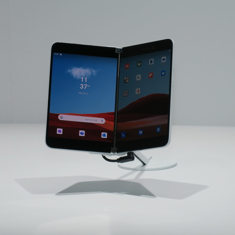 Surface Duoは展示コーナーで置いてあるのみで、実機の操作はできなかった