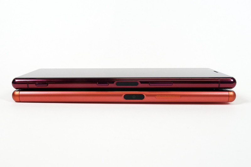 Xperia 5(上)、Xperia 8(下)