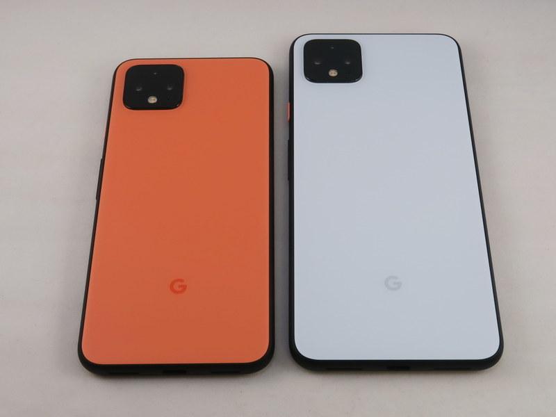 Pixel 4(左)とPixel 4 XLの背面はカメラが強調されたデザインになり、ひと目でわかるようになった。カメラ部は突出しているので、カバーを装着しての利用がおすすめ