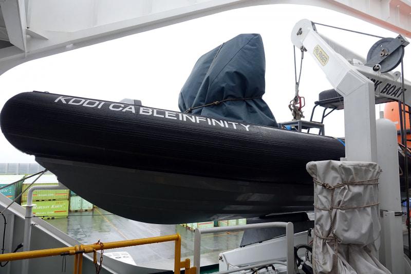 洋上での活動するためのボート