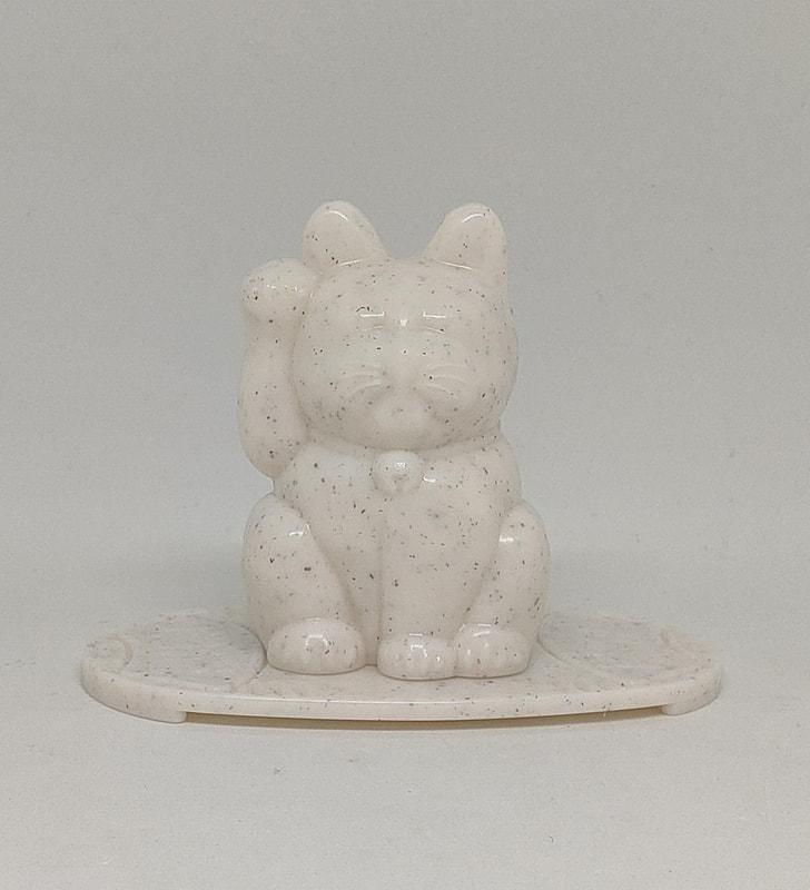 プラスティックの猫枠に塩や大根おろしを詰め込んで実用に使える