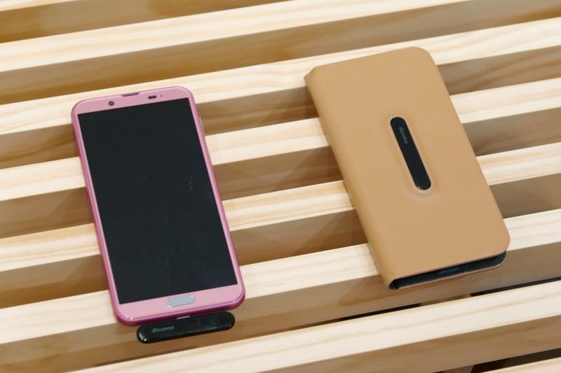 将来的には受信機をさらに小型化し、スマートフォン用ケースへの搭載も検討する