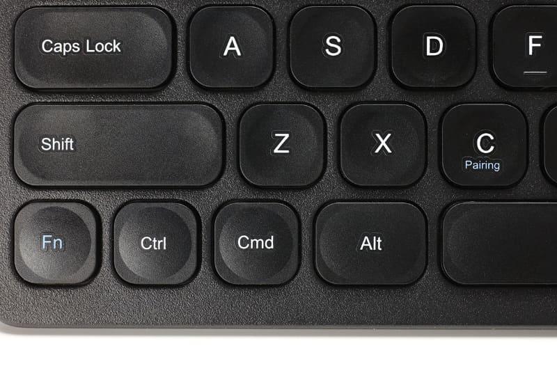 [Cmd]キーなどiOS/iPadOS用のキーもある。[Alt]キーは[Option]キーとして機能する。