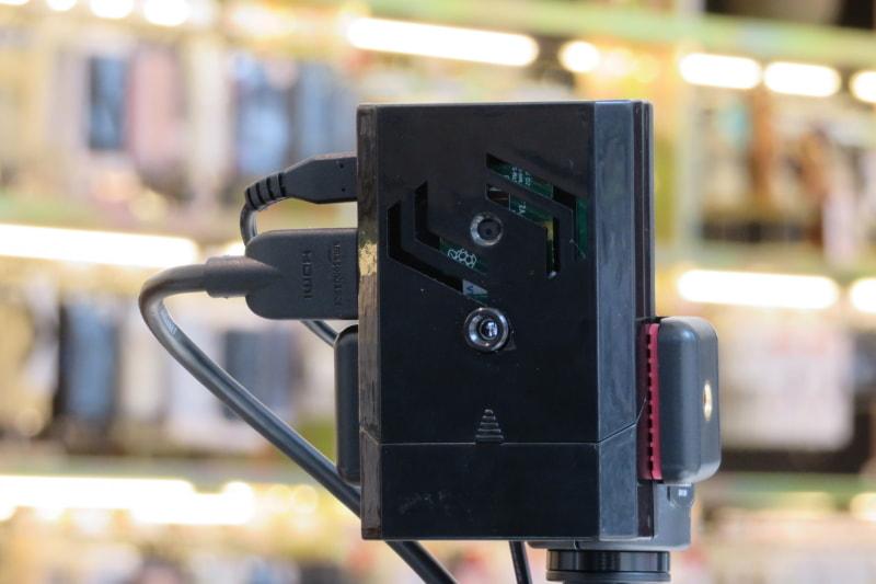体温検知のカメラ