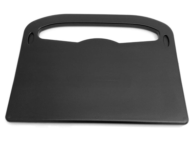 製品の表と裏。表にはタブレットなどがズレない溝があり、裏はフラットになっている。サイズは幅30×奥行き23×暑さ1.3cmで、質量は217g。耐荷重は約3kg。