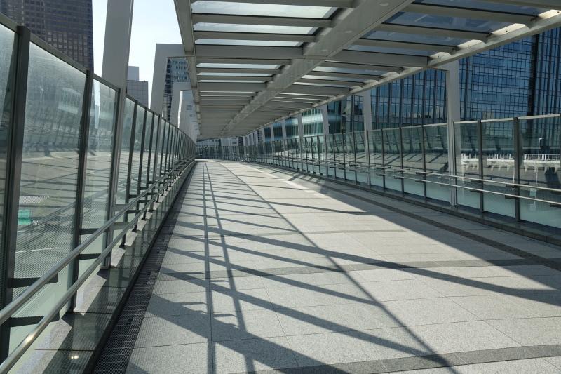 竹芝駅から直通。取材時にはまだ立ち入りできなかった