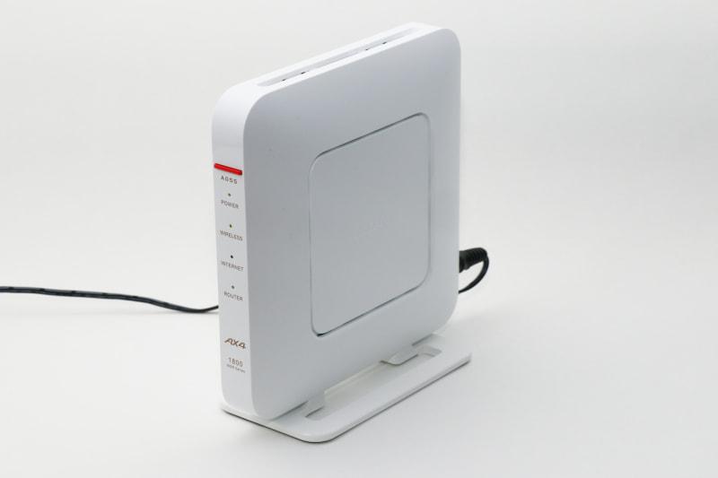 バッファローのWSR-1800AX4、色は白