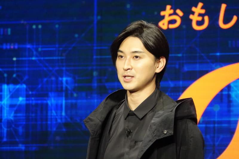 左から桐谷健太、松田翔太、池田エライザ