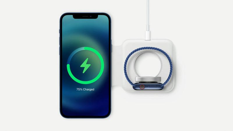 Apple Watchと一緒に充電するチャージャーも開発されている