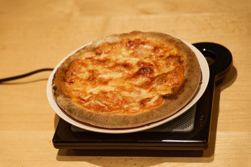 ピザなんかもほっかほかである。ただし、あまり長時間放置するとカリッカリになる