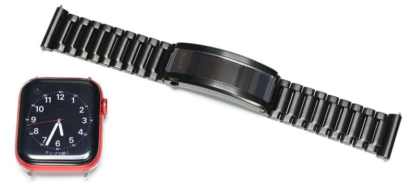 """<a href=""""https://k-tai.watch.impress.co.jp/docs/column/stapa/1296305.html"""" class=""""strong b"""">Apple Watch Series 6</a>とも組み合わせている。ヘッド部は「水深50mの耐水性能」があるそう。で、実は俺の場合、wena 3のウェルネス系機能は使っていない。精度や性能が云々ではなく、Apple Watchのウェルネス機能を使い慣れているからだ。さておき、Apple Watchと組み合わせてもなかなかイイ雰囲気なのである。"""