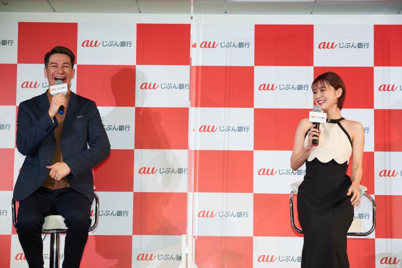 モデルのJOY(左)と女優の倉科カナ(右)