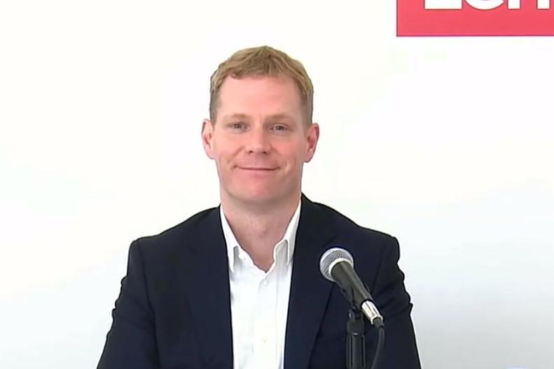 レノボ・ジャパン代表取締役社長のDavid Bennett氏