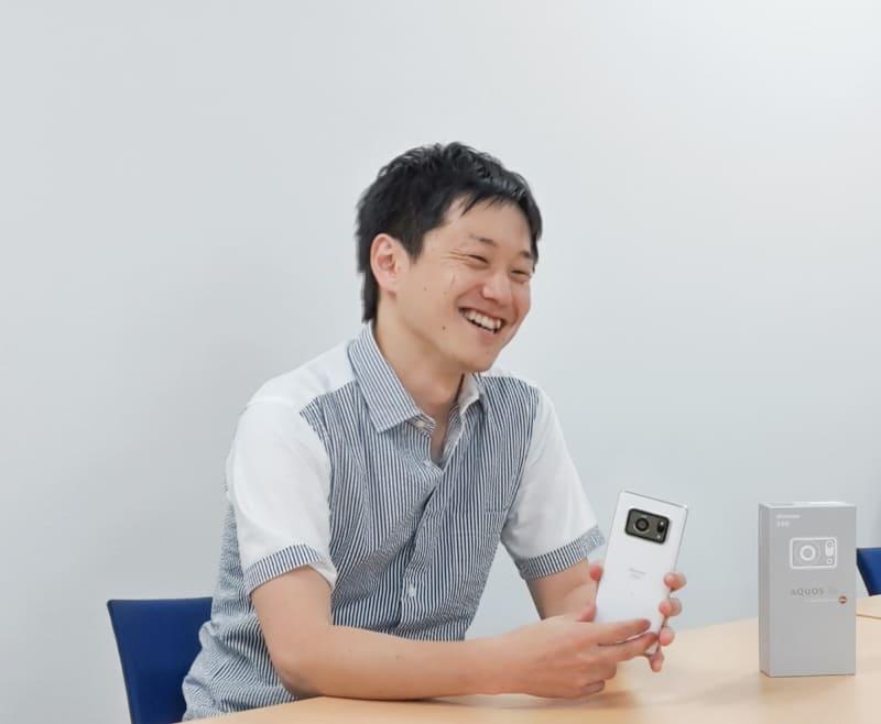 通信事業本部 パーソナル通信事業部 商品企画部 係長 田中陽平氏