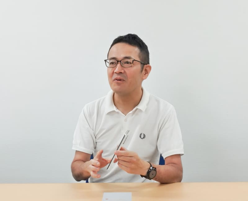 通信事業本部 パーソナル通信事業部 事業部長 小林繁氏