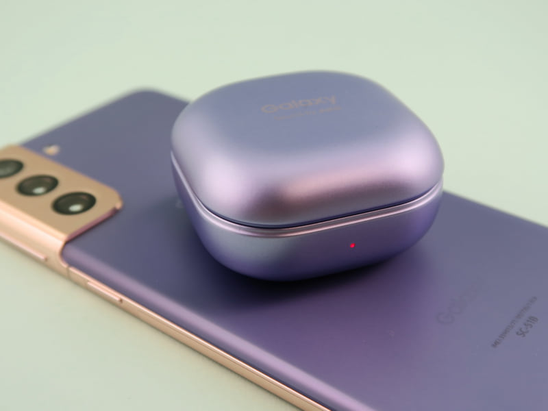 ワイヤレスバッテリー共有はGalaxy Buds Proなど、ワイヤレス充電対応機器を充電できる
