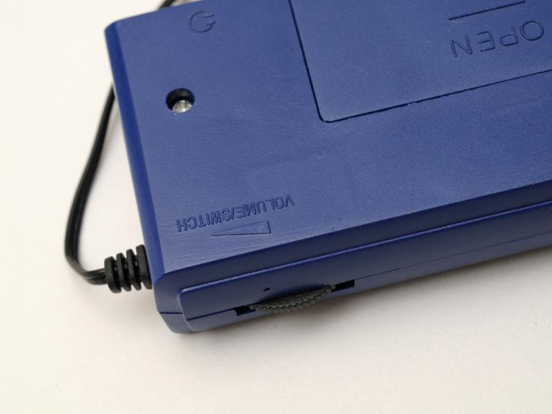 ボリュームは最小の先にクリックがあって電源が切れる。電源スイッチ兼用型