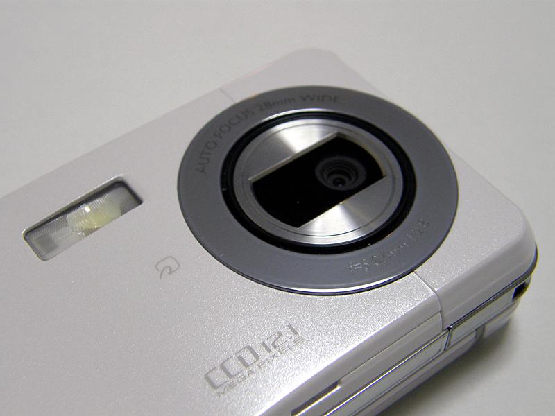 1210万画素のカメラ