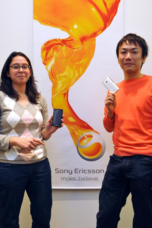 Xperia X10の開発を担当したマーカス・加藤氏(左)と安達氏(右)