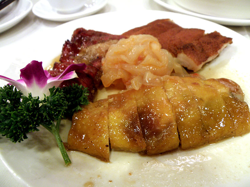 香港の叉焼最高!! 店によって味が違ったりして、これを探求していくもの楽しい!! けど食い過ぎに注意!! あと紹興酒呑み過(以下略)。