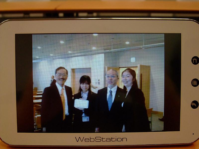 写真はスライドショーで表示され、デジタルフォトフレームとしても活用できる