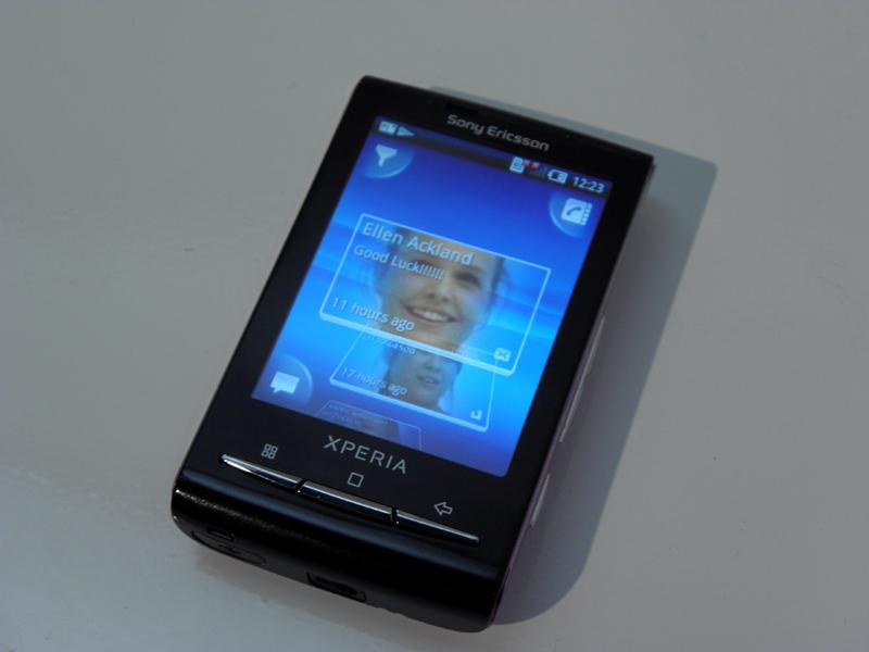TimescapeのUIも画面サイズに最適化され四隅のボタンで操作できる