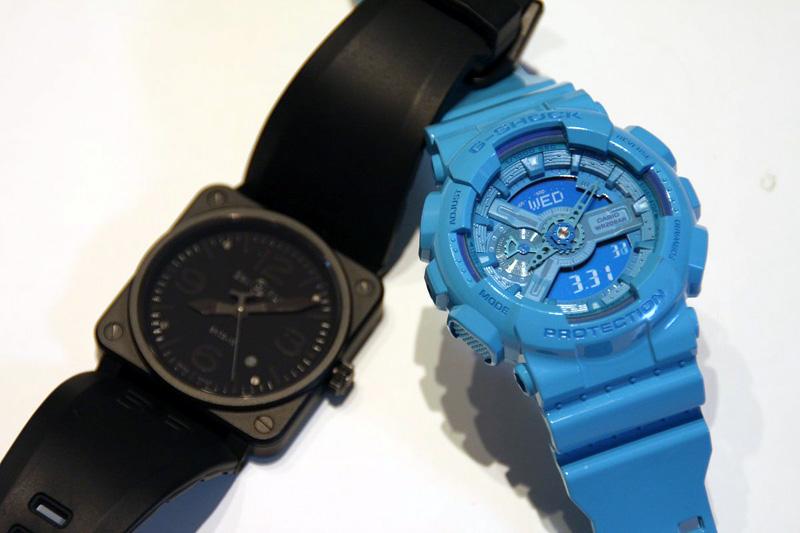 文字盤の視認性の悪さを競うかのような昨今の腕時計。左はBell & Ross社の「PHANTOM」